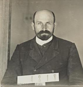 Seybold's Identification photograph from the Holdsworthy Internment camp, c. 1916. National Archives of Australia NAA: D3597, 4218
