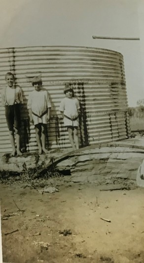 The three eldest Daley children - Jack, Elizabeth, and Sheila - at Kilburnie Homestead, c. 1920. Source: Kilburnie Homestead Collection